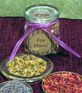 Bath Blend with Lavender Flowers, Rose Petals and Chamomile