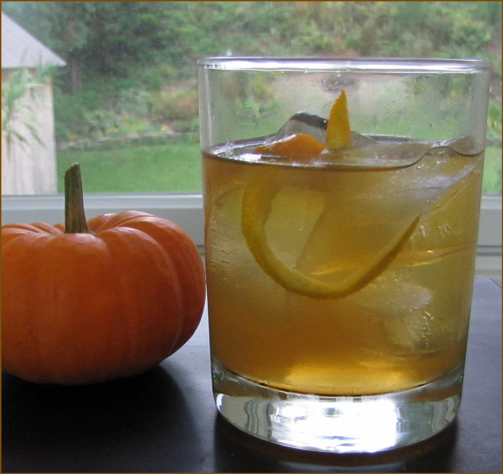 Pumpkin Spice Tea Cocktail
