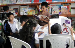Children Reading in Colombia